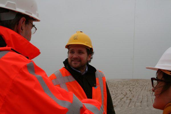 MV2-Tomas Saraceno op werkbezoek op de Maasvlakte